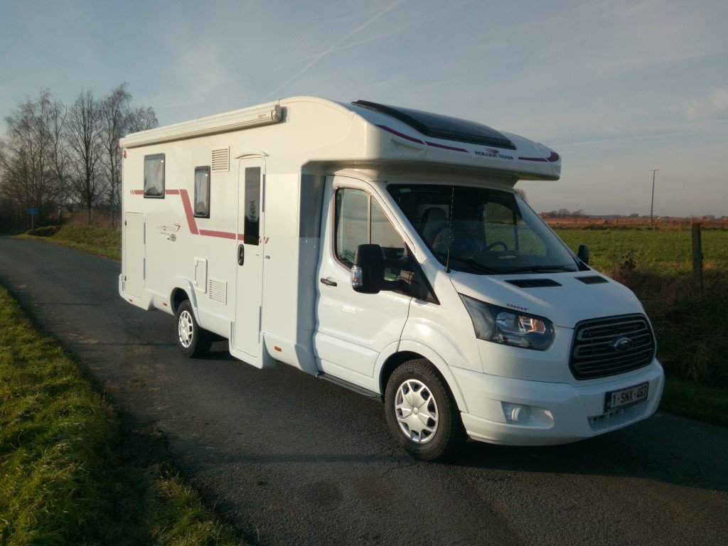 www.locationdecampingcar.be - Roller team Kronos 265 TL, un camping-car 4 places unique
